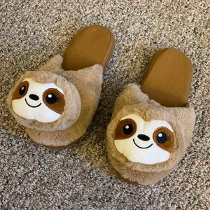 Sloth 🦥 slippers